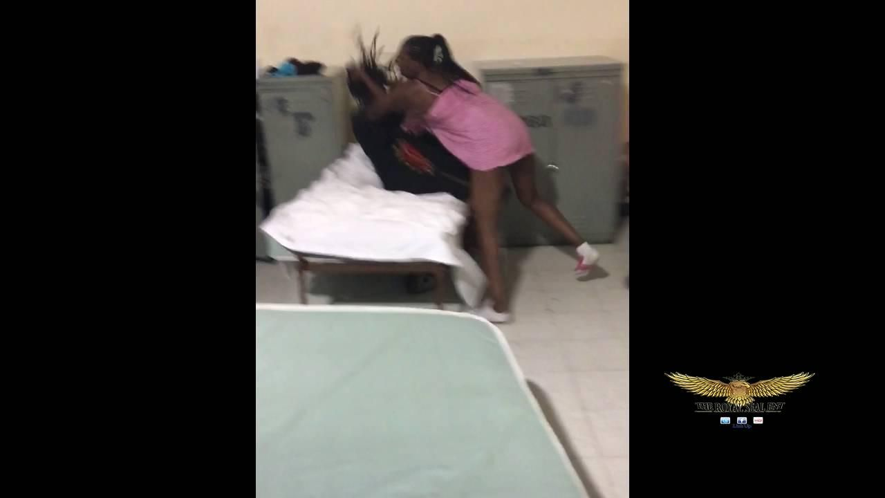 2 ratchet hyhenas fighting in NYC shelter | Royal Seal Ent Fights