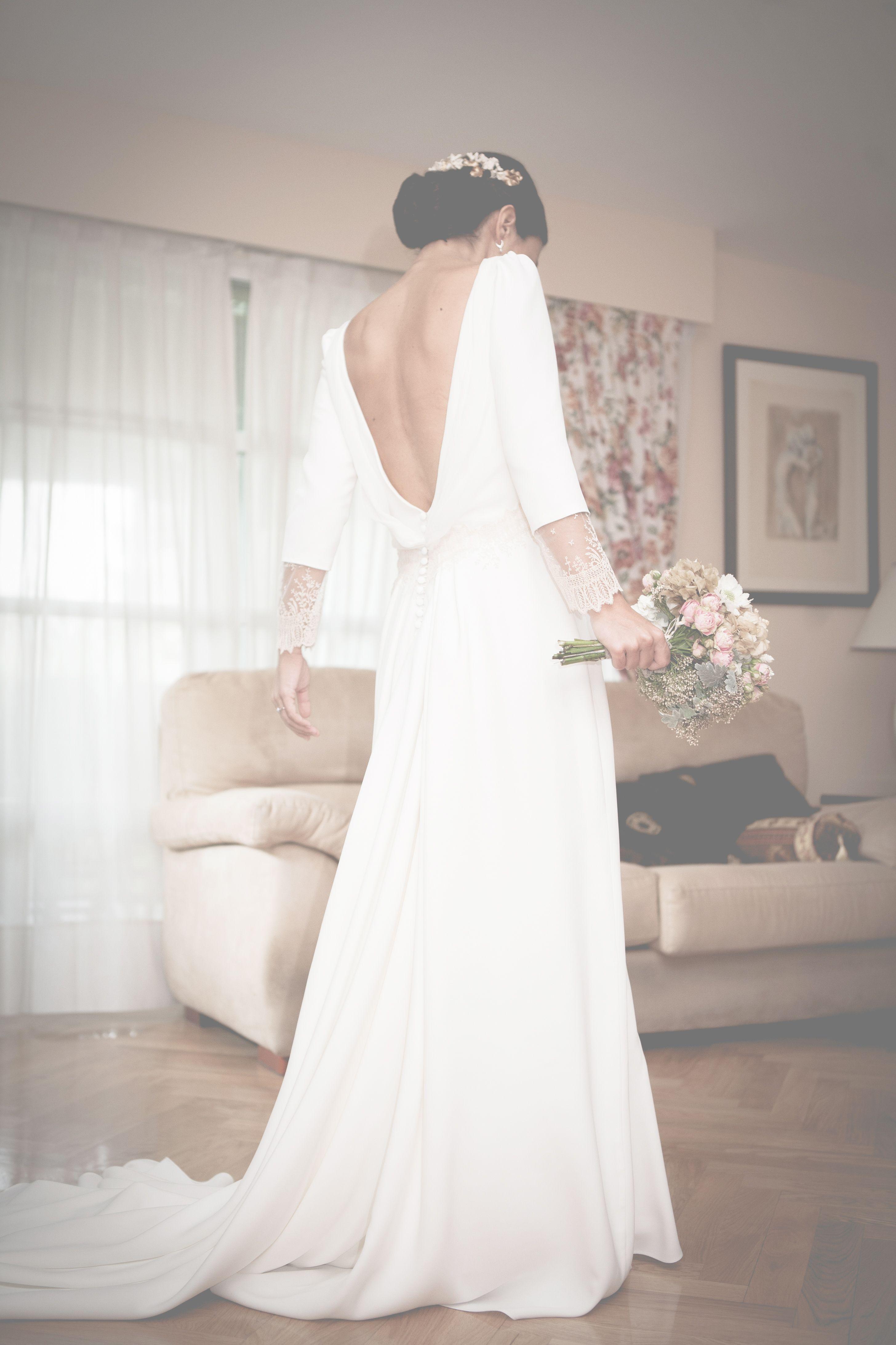 Simply wedding dress with sexy v back neck f a s h i o n for Simply white wedding dresses