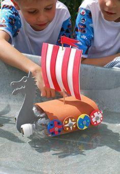 Schiffe basteln mit Kindern - 17 kreative und sommerliche Bastelideen #sommerlichebastelarbeiten Schiffe basteln mit Kindern - 17 kreative und sommerliche Bastelideen #sommerlichebastelarbeiten