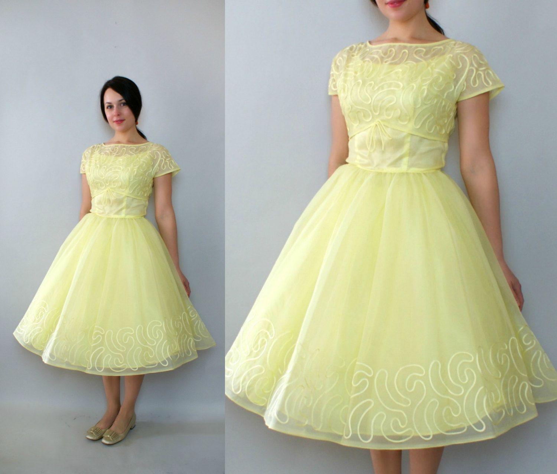 Vintage 1950s Formal Dress Pale Yellow Wedding Formal Party Etsy Yellow Vintage Dress Vintage Wedding Dress 1950 1950s Formal Dresses [ 1275 x 1500 Pixel ]
