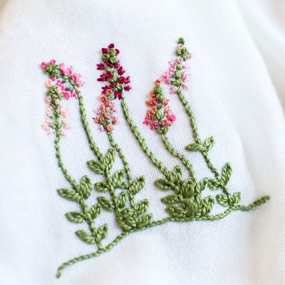 floral-embroidery-pattern-6_27_16-6849.jpg (skyword:295595)
