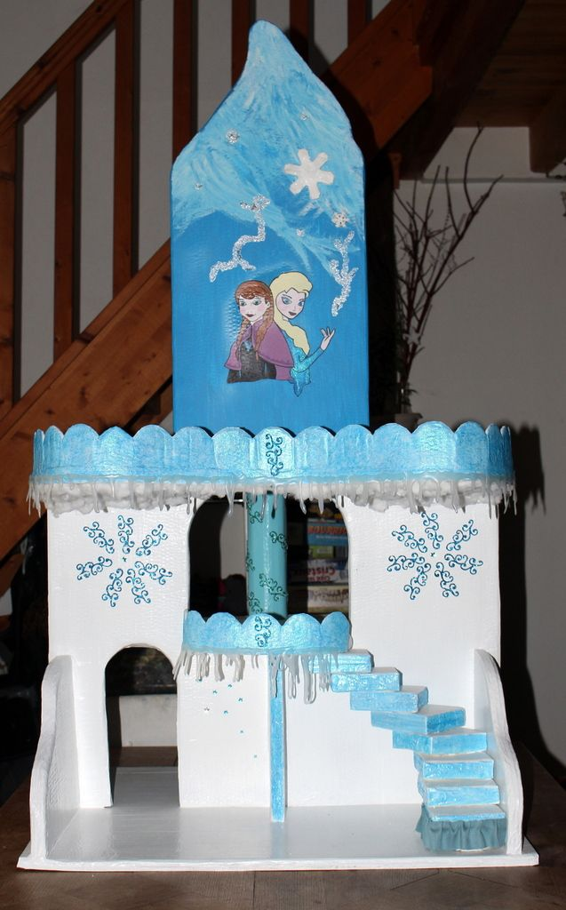 ch teau reine des neiges en carton chateau reine des neiges voeux de bonheur et reine des neiges. Black Bedroom Furniture Sets. Home Design Ideas