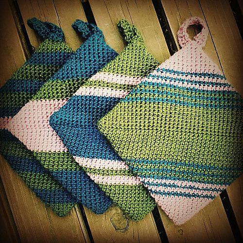 Double-thick Diagonally Crocheted Potholder pattern by Andrea Mielke #crochetpotholderpatterns
