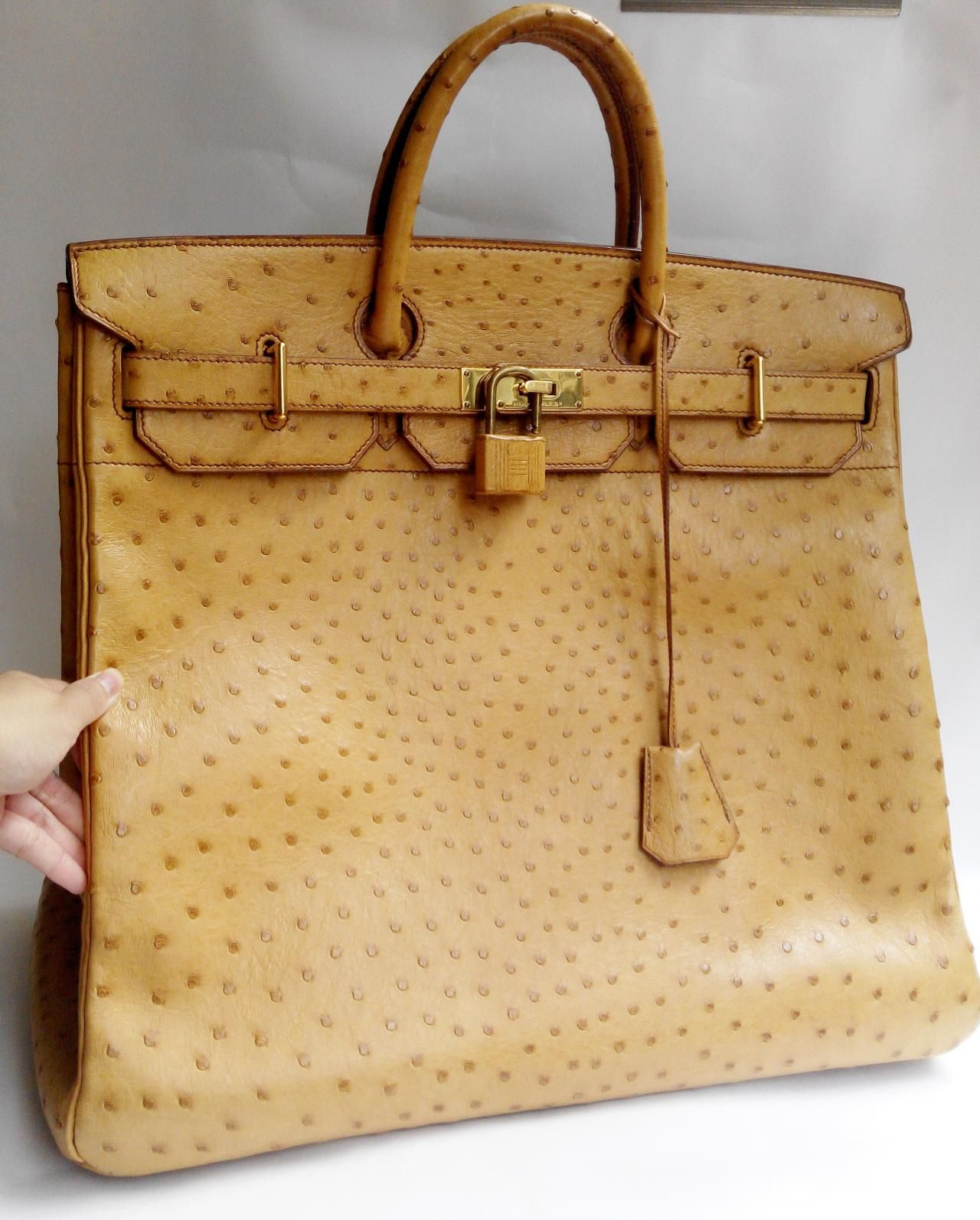 Auth Hermes HAC 45 Gold Ostrich GoldHW Handbag Travel Bag  df5f3fe9614eb
