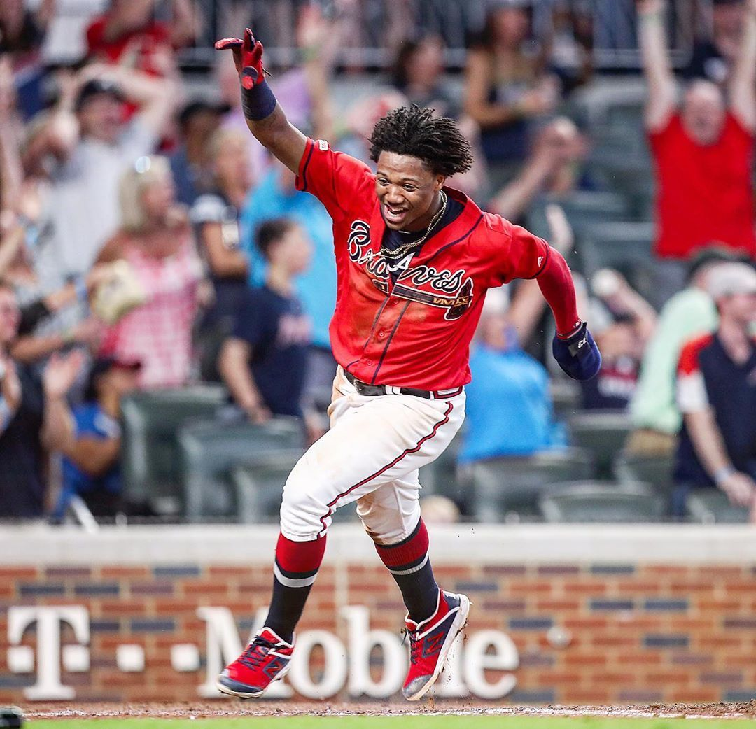 Braves Win Josh Donaldson S Walk Off Hit In The Bottom Of The 9th Scored Ronald Acuna Jr And Started The Pa Braves America S Favorite Pastime Josh Donaldson