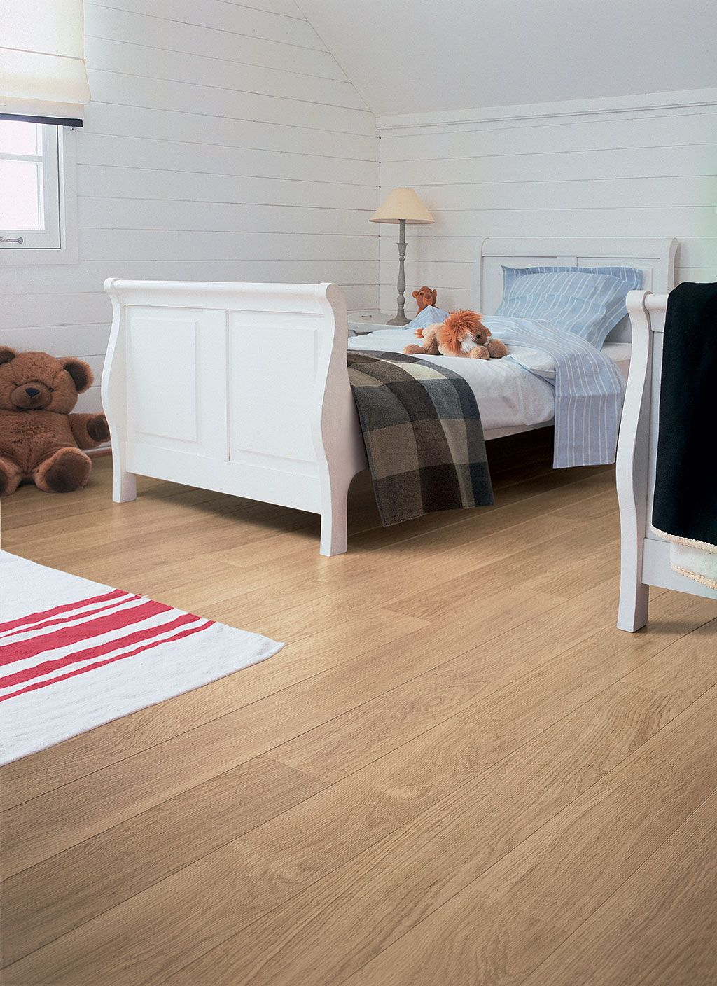 QuickStep Perspective 'White varnished oak, planks