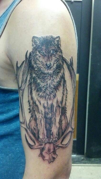 Wolf Tattoo I Like That This Is The Wolf S Whole Body And Not Just His Head Wolf Tattoos Wolf Tattoos Men Tattoos For Guys