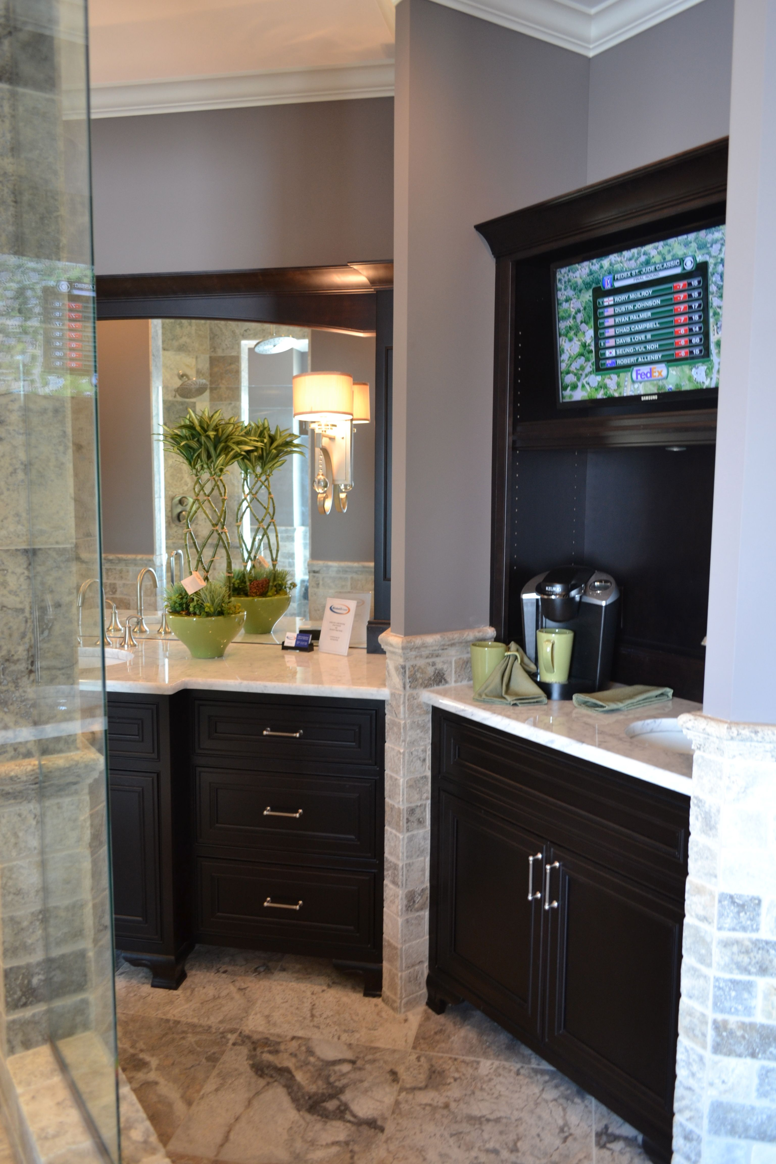 Coffee bar and tv in the restroom love it for every