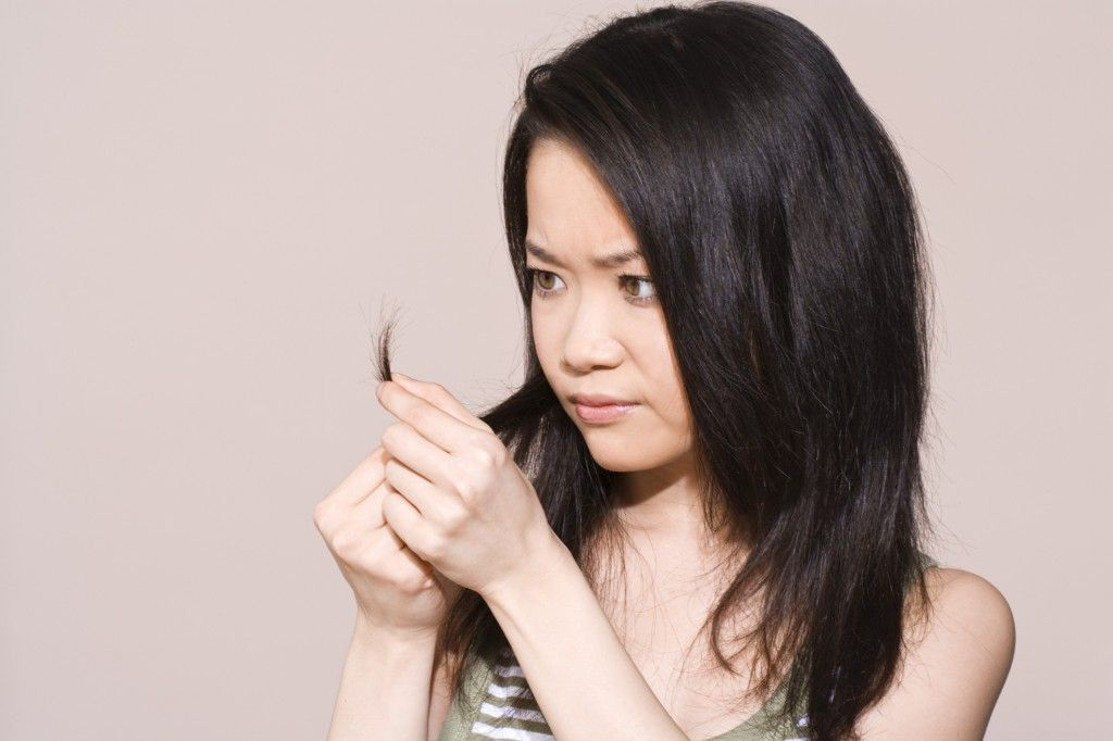 How to Tell the Difference Between Dry and Damaged Hair