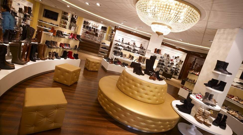Smolders Modeschoenen Valkenswaard   Modewinkels, Tafels