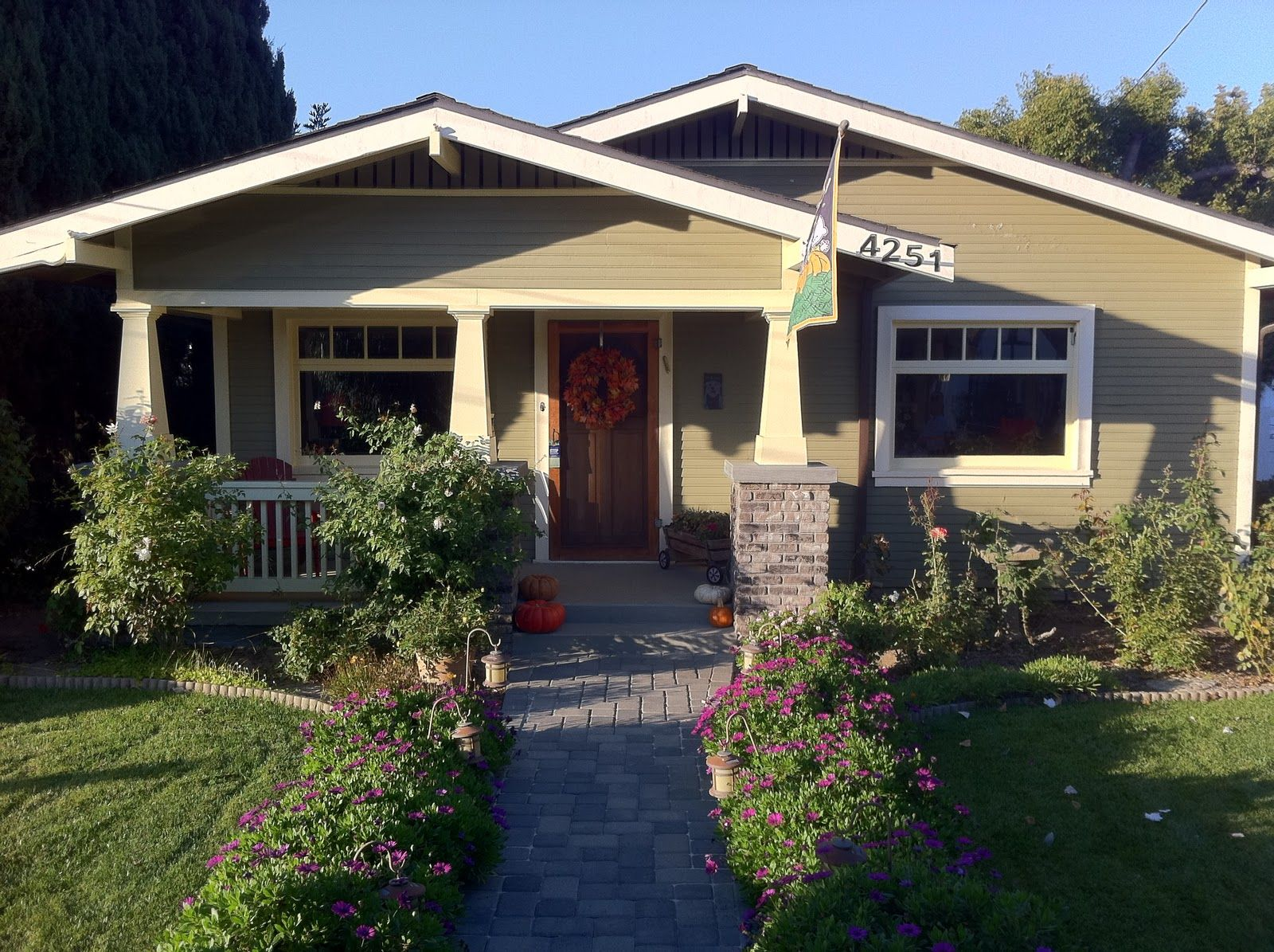 1920s craftsman bungalow craftsman bungalow front for Front porch renovation ideas