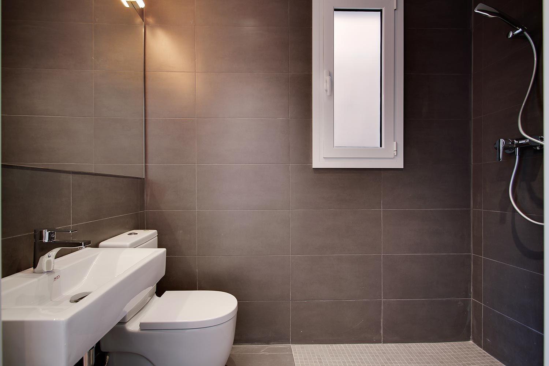 Espronceda 88, Barcelona #rehabilitacion #inmobiliaria #baños ...