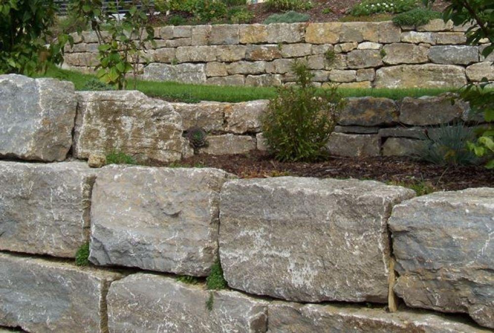 255 40 T Gartenmauer Trockenmauer Quadersteine Naturstein