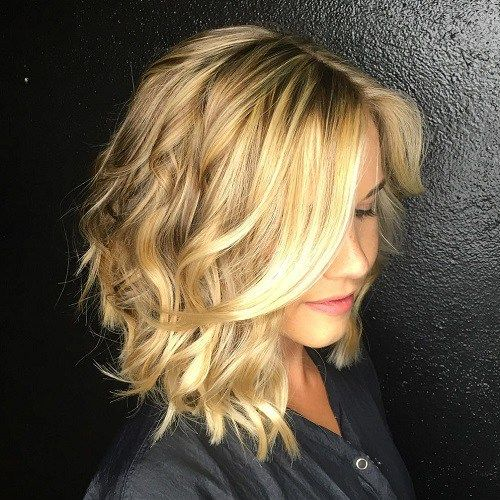 50 Gorgeous Wavy Bob Hairstyles With An Extra Touch Of Femininity Angled Haircut Wavy Haircuts Hair Styles