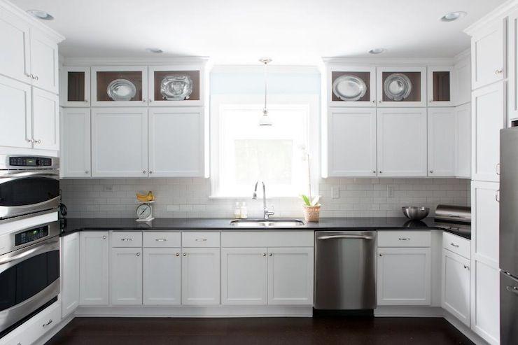 Black Quartz Countertop Kitchen, White Kitchen Cabinets With Black Quartz Countertops
