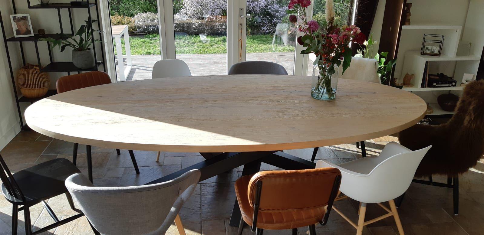 Stoere Tafels Op Maat.Woonloodz Stoere Ovalen Eiken Eettafel Met Matrix Smal
