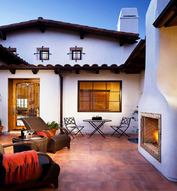 Spanish Style Patio   Lovvvve The Fireplace!!! ♡