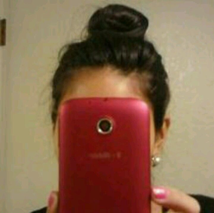 Cute and simple top knot for short hair