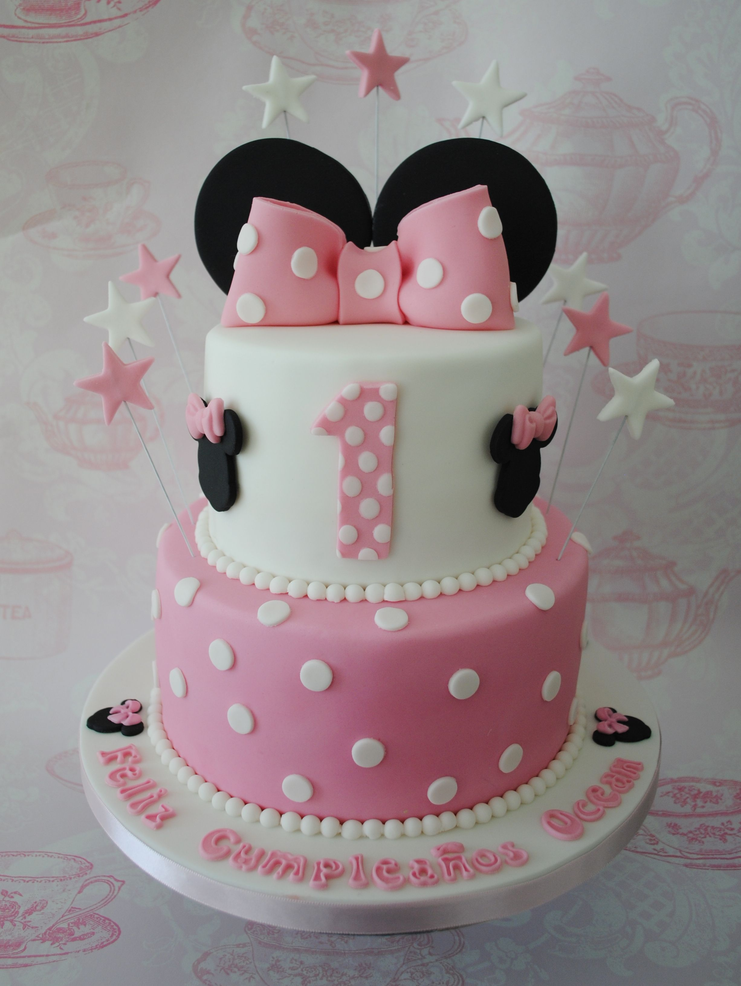 Surprising 2 Tiered Minnie Mouse Birthday Cake Pastel De Minnie Pastel De Personalised Birthday Cards Veneteletsinfo