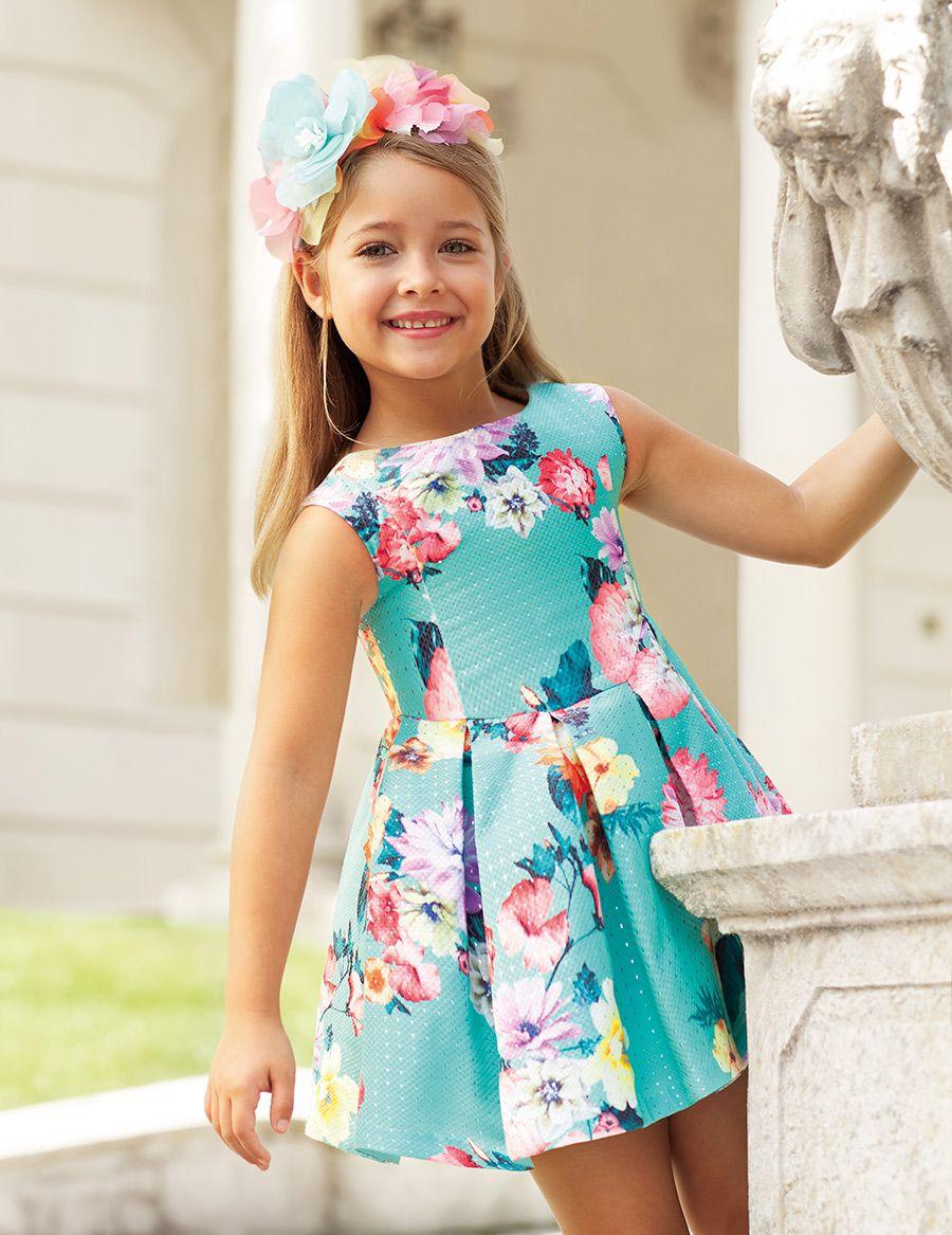 717c8ddfc Abel & Lula Colección Primavera-Verano 2019. Vestido para niña de punto  piqué estampado