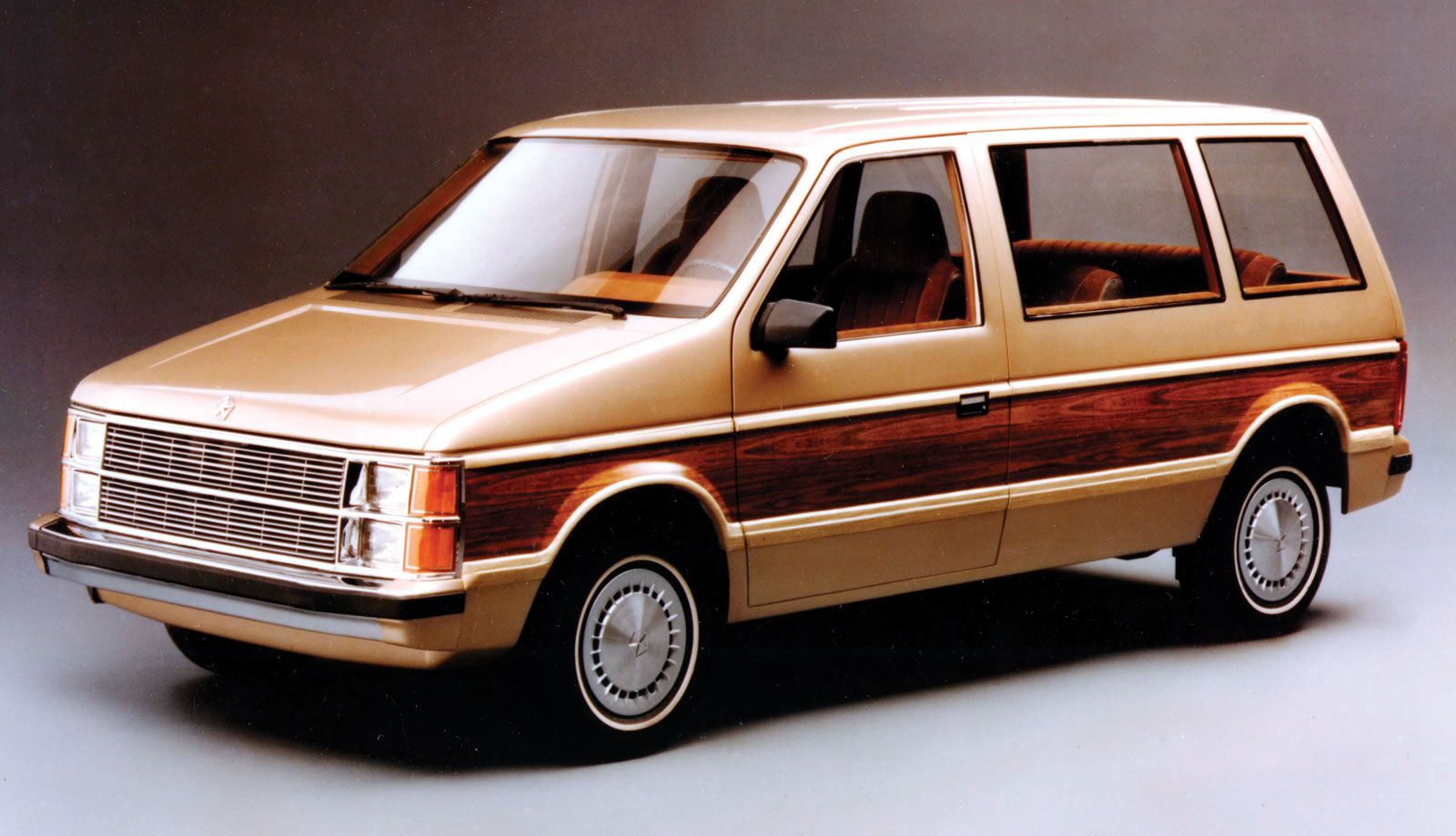 In 1983 Dodge Debuted The Dodge Caravan Mini Van Chrysler