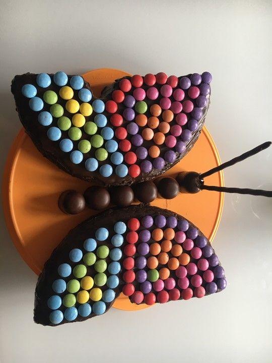 Smarties Kuchen Von Letta22 Chefkoch Rezept Smarties Kuchen Schmetterling Kuchen Kuchen Kindergeburtstag Schmetterling