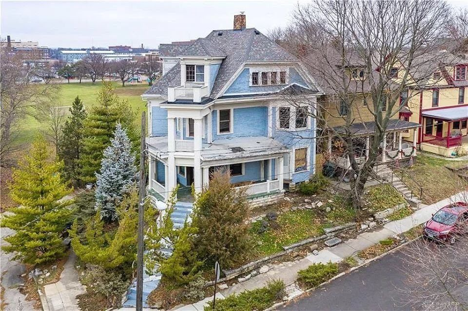 1899 Fixer Upper In Dayton Ohio Captivating Houses Built In Around Fireplace Old House Dreams Concrete Front Porch