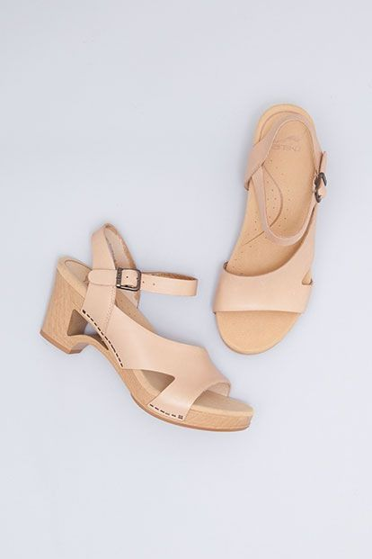 de3c6e77904bee Dansko wedding shoes!