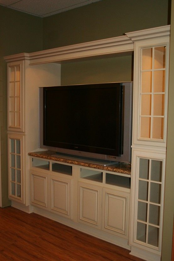 Arlington White Kitchen cabinets wide rand of cabinets ...