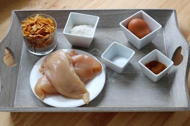 Para 4 pessoas:4 filés grandes de frango (de preferência caipira)50 g de farinha2 ovos100 g de Floco... - Receitas sem Fronteiras