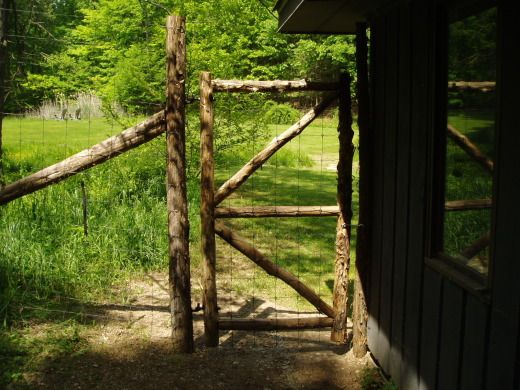Lattice Fence With Planters