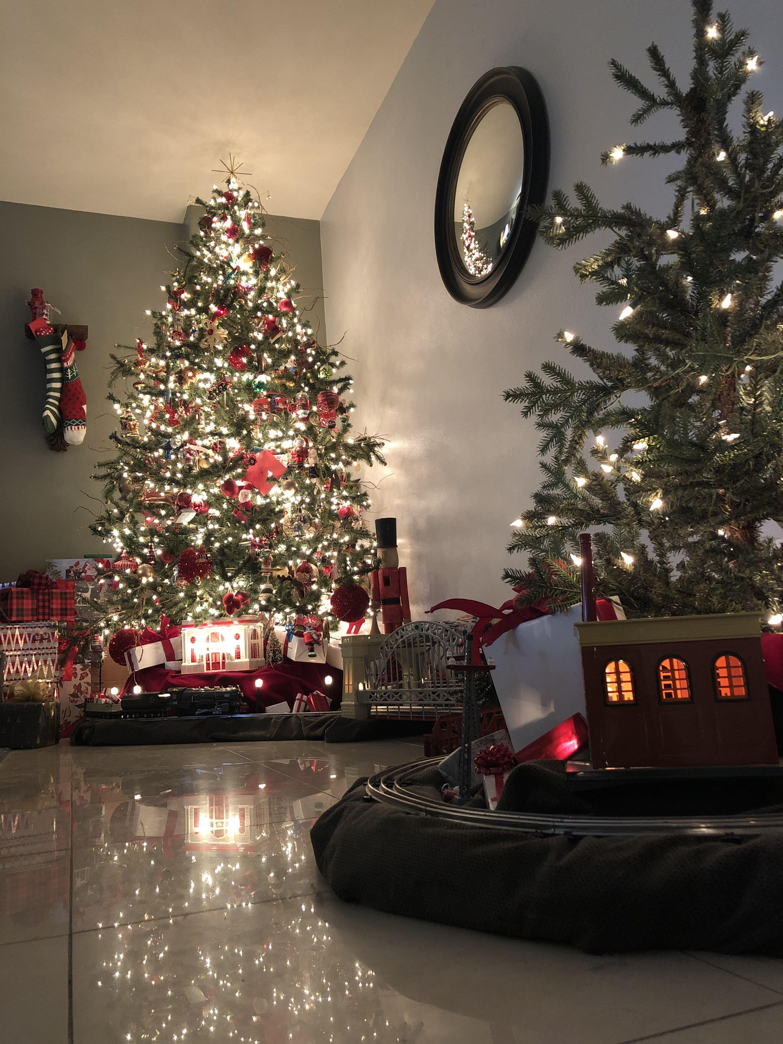 Pin By Christian Lentz On Christmas Holiday Decor Christmas Holiday