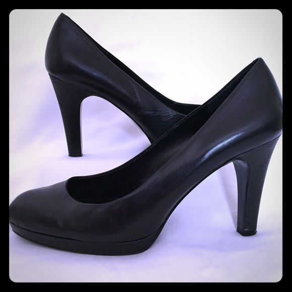 "Bandolino Black Leather Pumps - Size 9.5 Gorgeous classic black leather pumps with 4"" heels. The heels and platform bottom have textured leather. A shoe for work or a night out! Very versatile! Pre-loved in great condition! Bandolino Shoes Heels"