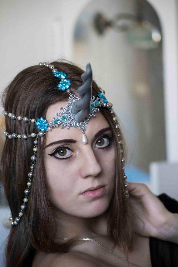 Silver Unicorn Horn Halloween Headdress Unicorn Pathy Frozen Queen Costume Elven Hair Jewerly Pearls Headpiece Сosplay Headdress