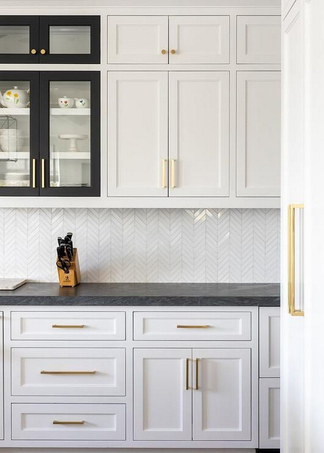 Learn How To Raise Kitchen Cabinets To The Ceiling And Add A Floating Shelf Underneath To Maxi In 2020 White Kitchen Design White Shaker Kitchen Kitchen Cabinet Design