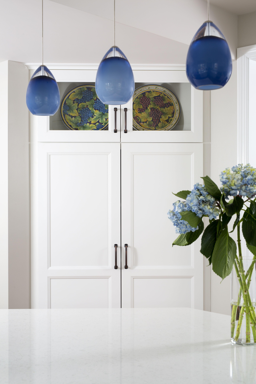 EVO Door style: Edgewater | Finish: White Kitchen Elements: http ...