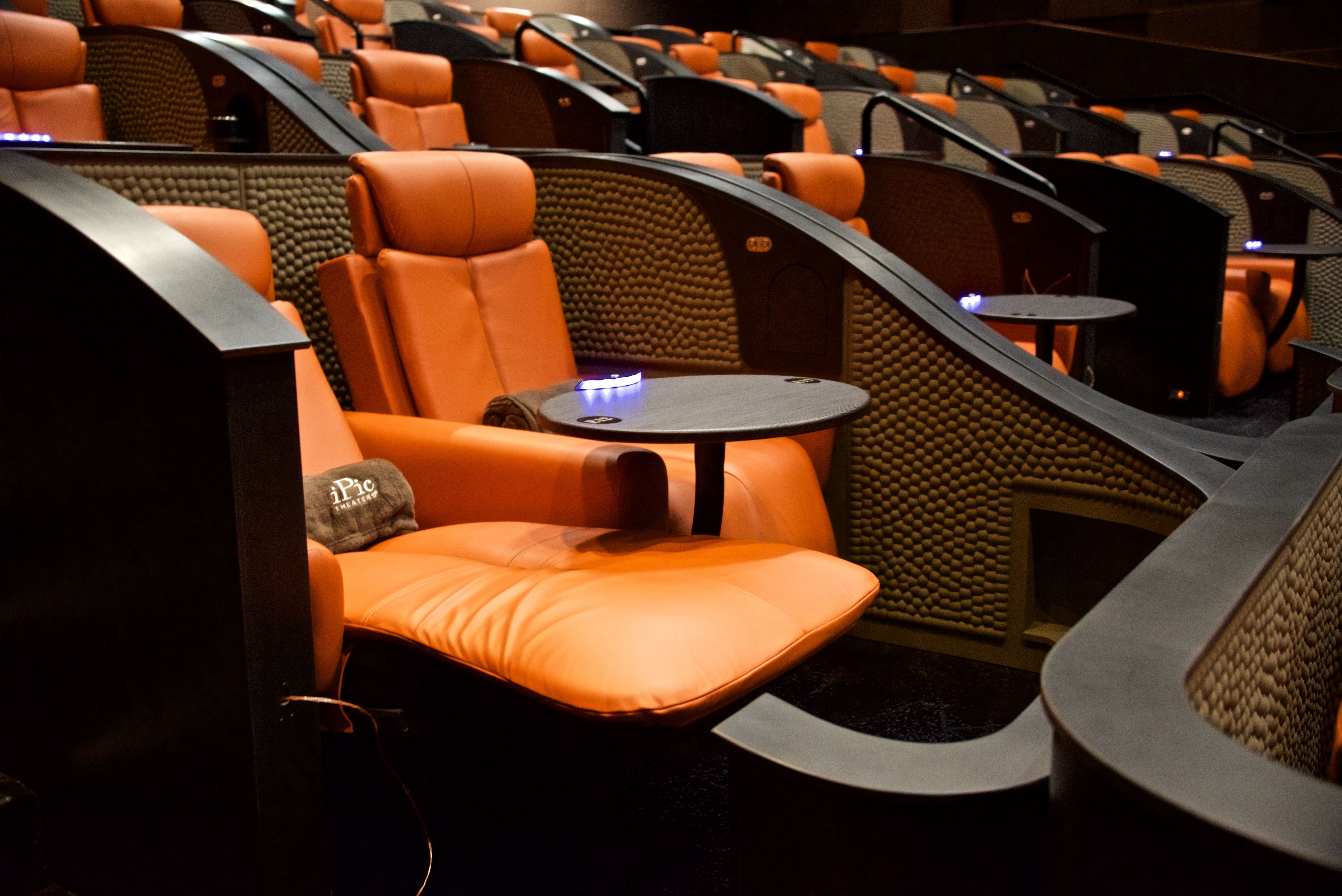 We Got A First Look At Ipic Hudson Lights And It S Awesome Dine