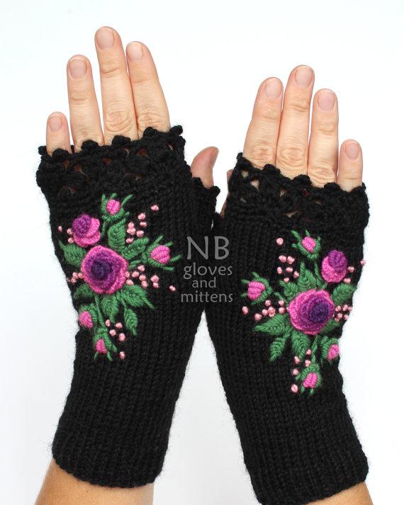 Guantes negros con rosas púrpuras, guantes sin dedos de punto, rosas púrpuras bordadas, guantes y mitones, ideas de regalos, para ella, accesorios