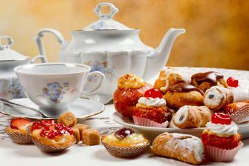 Combine old-school English glamor with delicious cakes, sandwiches and tea on this must-do afternoon tea experience in London!