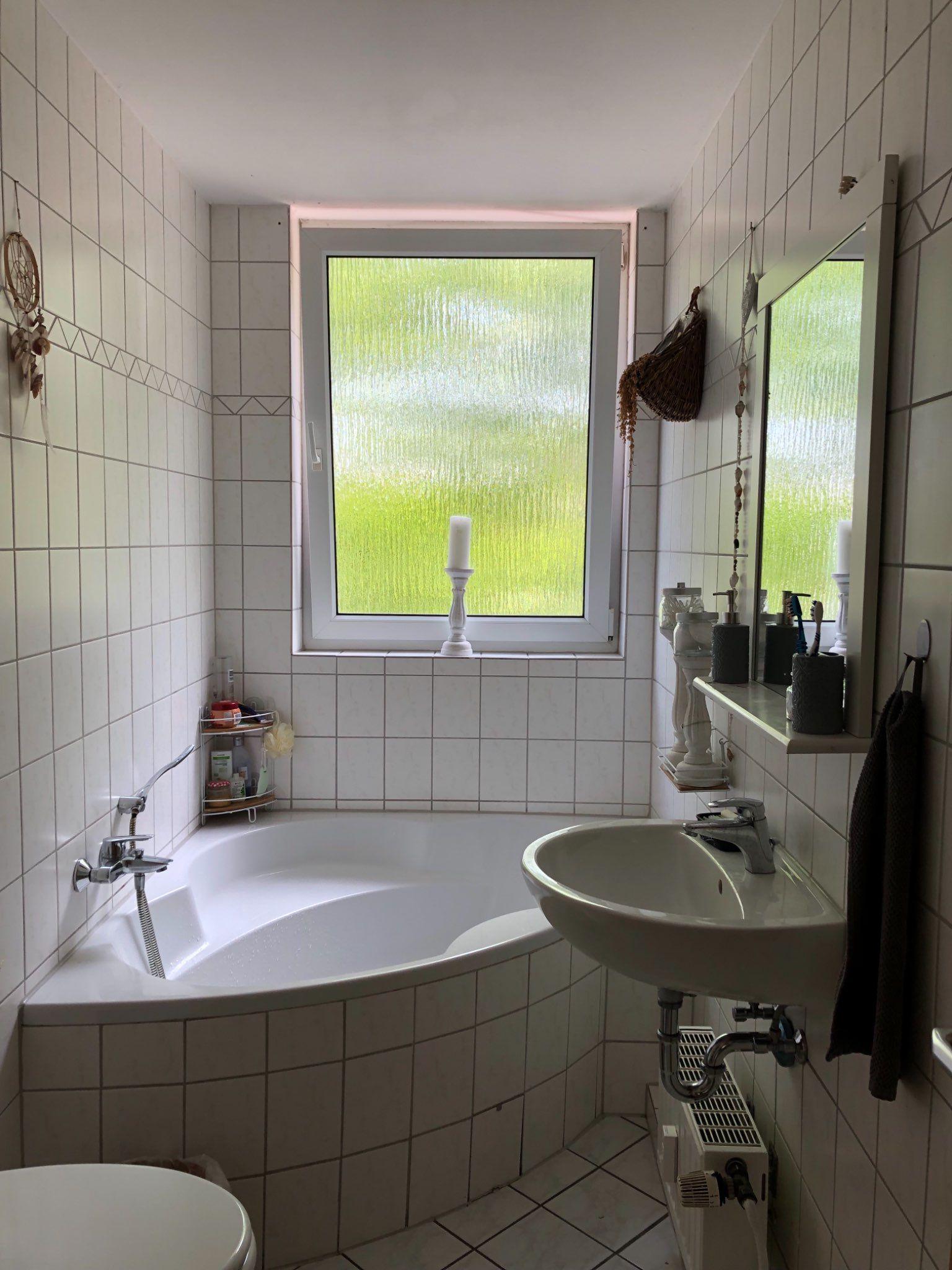 Traum Wanne In 4er Wg Schone Badezimmer Wanne Fliesenspiegel
