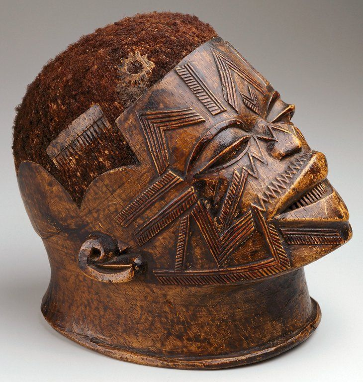 African Sculpture: Makonde People Live In The Dark Forests Of Tanzania And