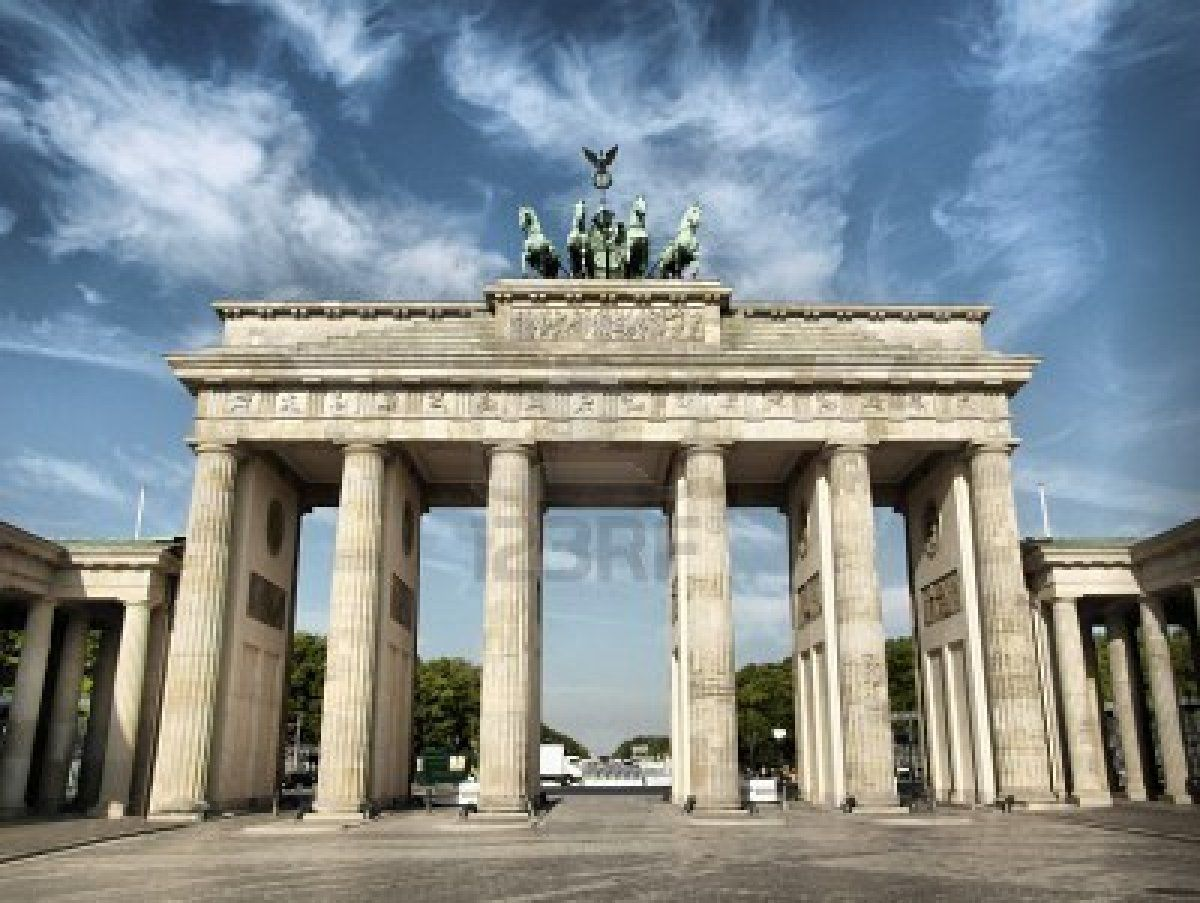 Brandenburger Tor Brandenburg Gate Famous Landmark In Berlin Germany Brandenburg Gate European Destination Landmarks