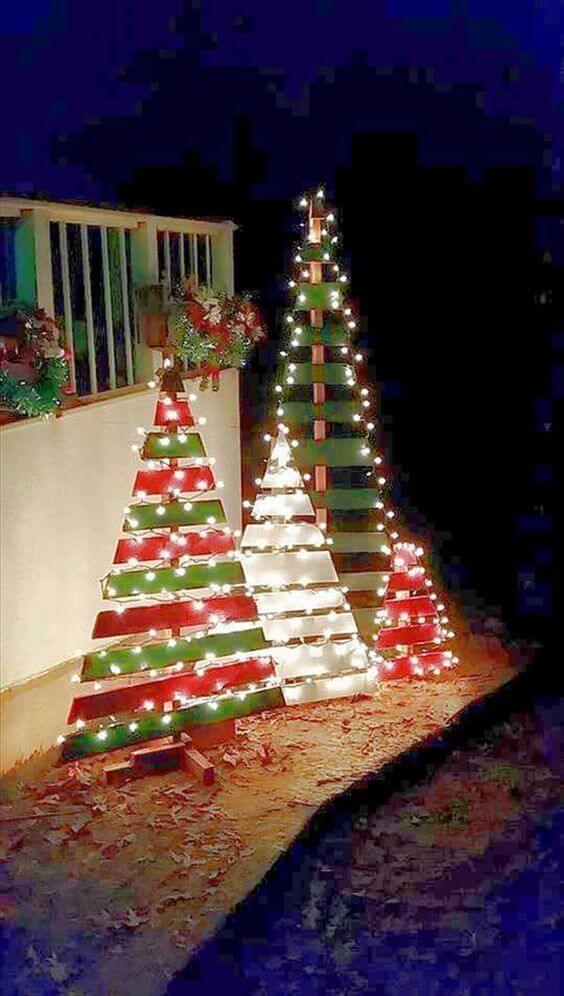 Weihnachtsdeko zum Selbermachen, Weihnachtsbaum aus Europalette, DIY Weihnachtsdeko Bastelideen