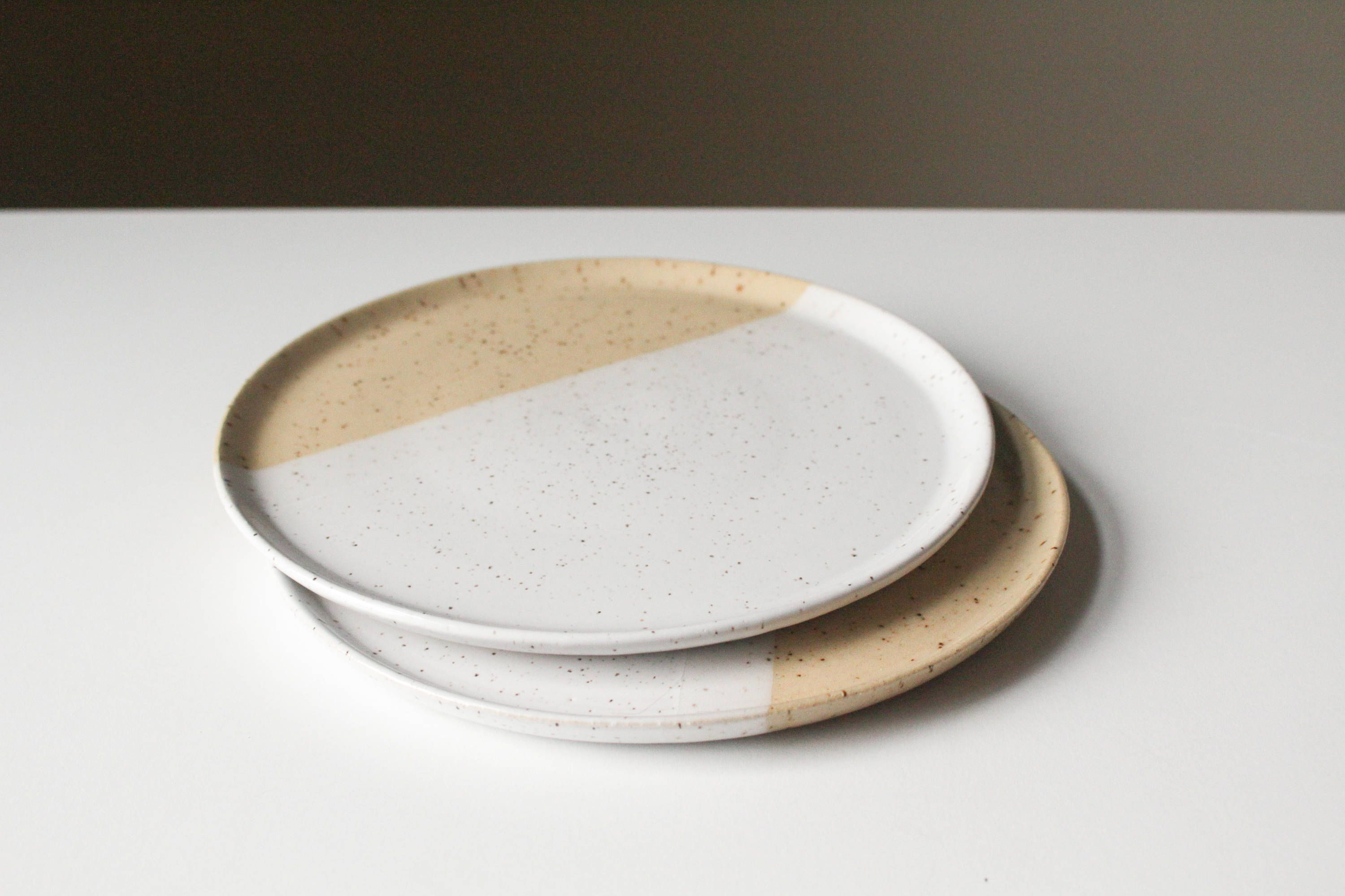 Speckled Ceramic Dinner Plates Set Of 2 Modern Pottery Etsy Ceramic Dishes Pottery Ceramics