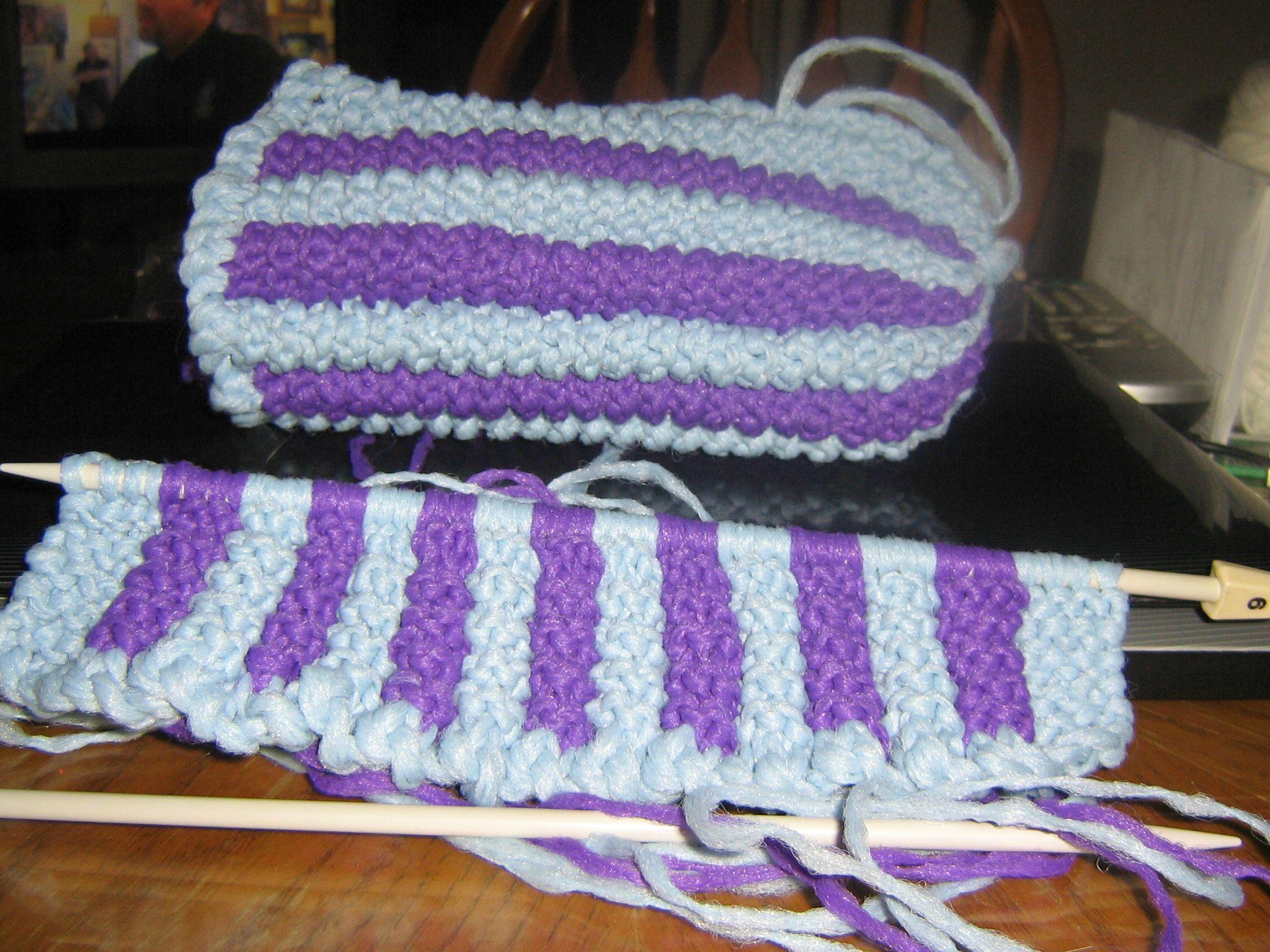Comment tricoter des pantoufle en phentex hackovanie pinterest crochet knit crochet and - Comment tricoter des chaussettes en laine ...