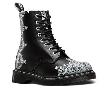 pingl par karine fiore sur v tements et accessoires porter pinterest chaussure. Black Bedroom Furniture Sets. Home Design Ideas