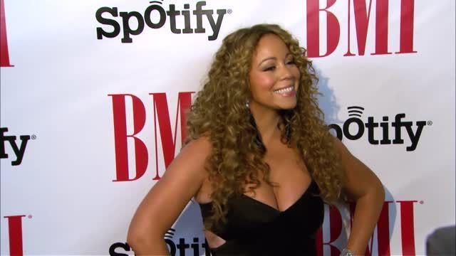 VIDEO: Mariah Carey Disses Eminem on Talk Show - http://ontopofthenews.net/2013/12/24/entertainment/video-mariah-carey-disses-eminem-on-talk-show/