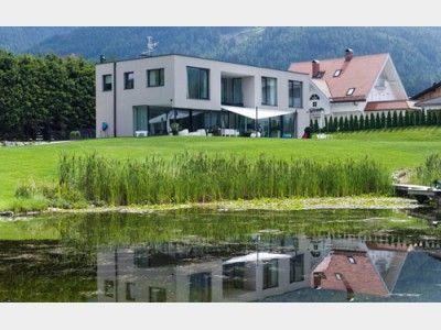 Riegelbau Modern - #Einfamilienhaus von Rubner Haus AG | HausXXL #modern #Luxus #Designer #Flachdach #Terrasse #Stadthaus #Architektenhaus #Ökohaus #Biohaus