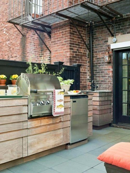 Praktische Küche im Garten massiv holz möbel garten Pinterest - k che aus paletten bauen