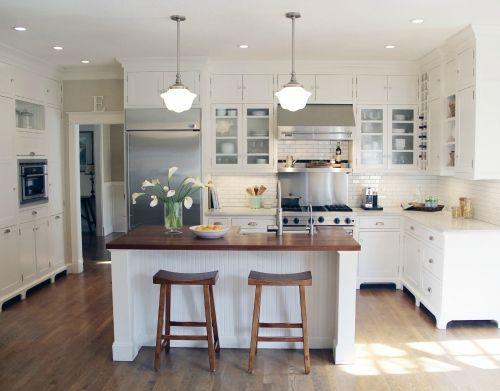 Gorgeous white kitchen by Taryn Emerson Interiors